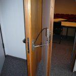 Verbindungsmechanismus der Türen zum Beratungszimmer