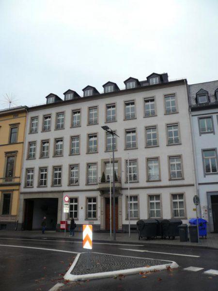 Altbau am Deinhardplatz