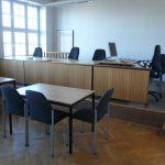 Richtertisch im Großen Verhandlungssaal