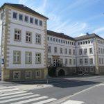 Hauptgebäude in Hauptansicht