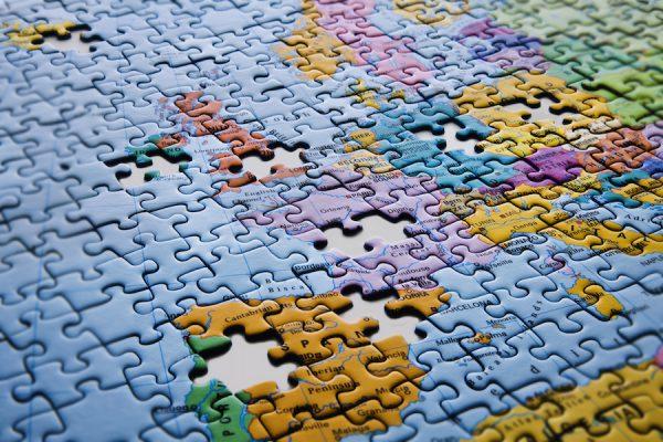 Unvollständiges Puzzle der Weltkarte