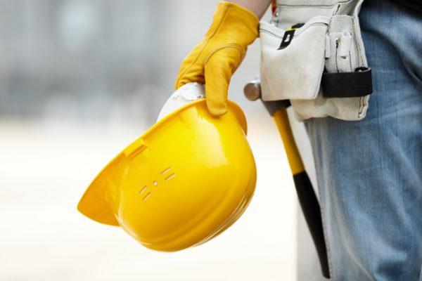 Kann der Mieter Fassadenarbeiten des Eigentümers im Eilrechtsschutz verhindern?