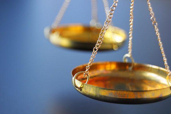 Befangenheit: Privatgutachter oder gerichtlich bestellter Sachverständiger – beides geht nicht (mehr)